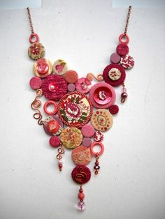 Winner of our contest ! A very pink way to reuse fabrics #Clothes, #Fabric, #Jewelry, #Necklace, #Recycled