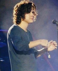 harry styles with looooong hair he's so cute tho!