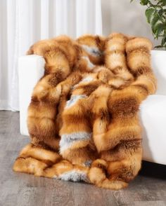 $2900   Full Pelt Red Fox Fur Blanket / Fur Throw