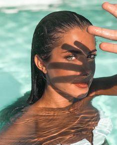 How to Take Good Beach Photos Summer Photography, Portrait Photography, Digital Photography, Photography School, Product Photography, Fashion Photography, Shadow Photography, Photo Portrait, Photos Tumblr