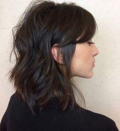 103233c8d190e Corte de cabelo para rosto oval  40 ideias para valorizar seus traços