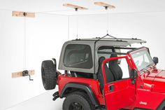 From the makers of the original Hoist-A-Top® comes the economical Hoist-A-Top Simple®. Jeep CJ & Wrangler owners can safely and effortlessly remove their heavy hardtop without an assistant and store it in their garage in just minutes.
