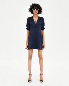 Dresses for Women Fashion 101, Latest Fashion For Women, Zara Shop, Simple Dresses, Summer Dresses, Online Zara, Floral Shirt Dress, Dress Shapes, Zara Dresses