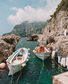 Beautiful view of Cinque Terre, Italy on the Amalfi Coast. Vacation wanderlust destinations idea in Europe. Oh The Places You'll Go, Places To Travel, Travel Destinations, Winter Destinations, Travel Aesthetic, Travel Goals, Travel Tips, Adventure Is Out There, Dream Vacations
