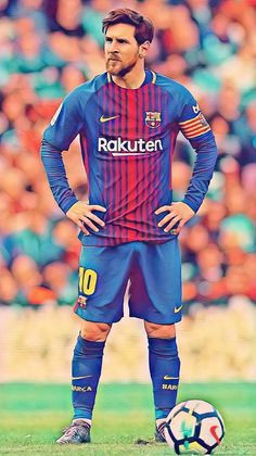 Lionel Messi for Barcelona posing confidently before ta king free kick Fc Barcelona, Camisa Barcelona, Lionel Messi Barcelona, Barcelona Football, Ronaldo Football, Messi Soccer, Messi And Ronaldo, Messi 10, Cristiano Ronaldo