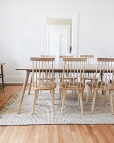 Imposta Sala da pranzo, tavoli e sedie, barbecue set di mobili 8 Person Dining Table, Dining Table Design, Dining Room Table, Dining Chairs, Scandinavian Dining Table, Balcony Chairs, Beach Chairs, White Oak Dining Table, Mid Century Dining Table