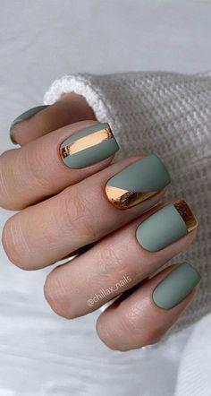 Nail Design Stiletto, Manicure Nail Designs, Nails Design, Metallic Nails, Gold Nails, Metallic Gold, Matte Nails, Purple Nails, Matte Green Nails