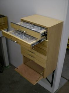 Small parts organizer with drawers