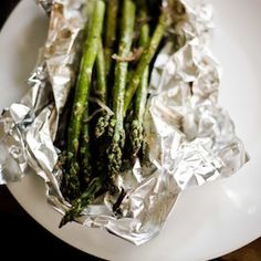 Perfect Asparagus Recipe (made this tonight...it is pretty perfect, even without the shallots) Asparagus, Menu, Nutrition, Vegetables, Food, Menu Board Design, Studs, Veggies, Eten