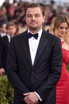 Pin for Later: Leonardo DiCaprio Continue de Dominer le Tapis Rouge aux SAG Awards