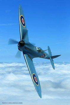 The Hangar 11 Collection Supermarine Spitfire PR Mk XI Ww2 Aircraft, Fighter Aircraft, Military Aircraft, Fighter Jets, Ww2 Fighter Planes, Hermanos Wright, Old Planes, The Spitfires, Supermarine Spitfire