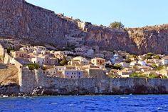巨大な岩山に隠されし古代都市モネンバシア(ギリシャ)