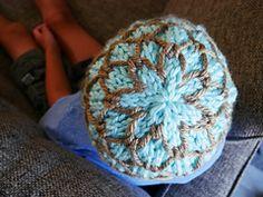 Ravelry: Regan Beanie pattern by Phanessa Fong Christmas Knitting Patterns, Knit Patterns, Super Bulky Yarn, Universal Yarn, Quick Knits, Cascade Yarn, Beanie Pattern, Paintbox Yarn, Yarn Brands