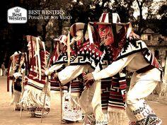 EL MEJOR HOTEL DE PÁTZCUARO. Gracias a los habitantes de Pátzcuaro, la cultura y tradiciones de este bonito pueblo mágico se mantienen vigentes. En Best Western Posada de Don Vasco, le recordamos que en la plaza principal, podrá disfrutar de la famosa danza de los viejitos, uno de los principales atractivos de este lugar. #bestwesternenpatzcuaro