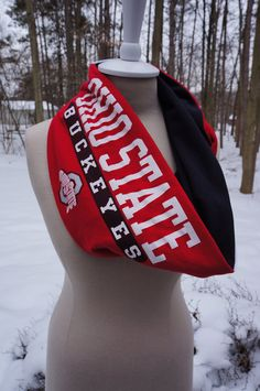 Recycled t-shirt Ohio State infinity scarf
