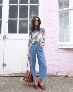 Laid back and ladylike is a winning dawn-to-dusk combination as seen on LA COOL & CHIC. Spring Street Style, Spring Summer Fashion, Denim Culottes, Pantalon Large, Fashion Images, Fashion Looks, Style Fashion, Her Style, Everyday Fashion