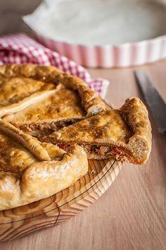 Empanada gallega de tonyina