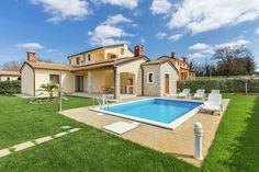 Villa Prima  Vrijstaande goed verzorgde villa met privé zwembad en tuin voor een ontspannen vakantie  EUR 812.85  Meer informatie  #vakantie http://vakantienaar.eu - http://facebook.com/vakantienaar.eu - https://start.me/p/VRobeo/vakantie-pagina