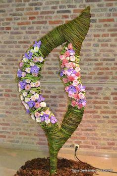 Eurofleurs 2012 - Leaf Art Floral, Floral Centerpieces, Floral Arrangements, Sogetsu Ikebana, Corporate Flowers, Tall Vases, High Art, Design Competitions, Floral Designs