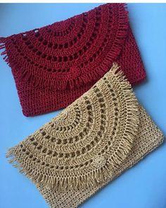 Versatile And Unique Free Crochet Patterns Crochet Clutch, Crochet Handbags, Crochet Purses, Crochet Lace, Diy Crafts Knitting, Diy Crafts Crochet, Crochet Projects, Knitting Designs, Crochet Designs