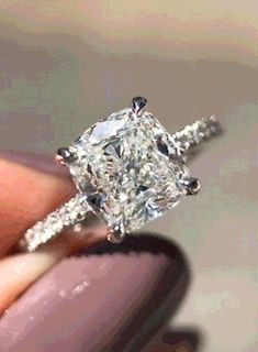 gif and diamond image Makeup Looks For Green Eyes, Blue Makeup, Engagement Couple, Engagement Photos, Engagement Rings, Luxury Couple, Applications Mobiles, Diamond Image, New Years Eve Makeup