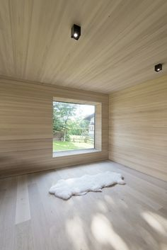 Image 6 of 8 from gallery of Emberger Residence / LP Architektur. Photograph by wortmeyer photography Modern Wooden House, Timber House, Arch House, Wood Architecture, Wooden Ceilings, Box Houses, Beach Cottage Decor, Wood Interiors, Minimalist Interior