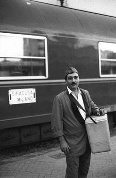 Ferdinando Scianna. Italy. Reggio, Calabria: food seller in the rail station