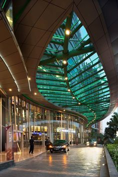 Kuningan city mall entrance, a mix used developement designed by DPA Singapore, photography by Mario Wibowo, an architecture & interior photographer based in Jakarta