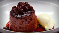 Sour Cherry Pudding with Cherry Syrup. Recipe from Masterchef Australia. Cherry Syrup, Sour Cherry, No Bake Desserts, Delicious Desserts, Dessert Recipes, Masterchef Recipes, Cakes Plus, Cherry Recipes, Different Recipes