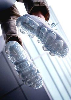 Nike AIR VAPORMAX PLATINUM (via Kicks-daily.com) Sneakers Shoes, Sneakers Fashion, Fashion Shoes