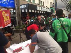 Jakarta,Obsessionnews – Dukungan KTP untuk Ahok-Heru maju di Pilkada DKI Jakarta melalui jalur independen terus mengalir. Sejak formulir dukungan untuk Ahok-Heru diedarkan oleh relawan Teman Ahok pada