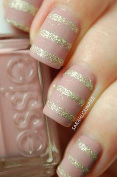 Nail art Christmas - the festive spirit on the nails. Over 70 creative ideas and tutorials - My Nails Get Nails, Fancy Nails, Trendy Nails, Love Nails, Hair And Nails, Wedding Nails Design, Striped Nails, Manicure E Pedicure, Simple Nail Designs