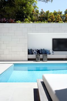 Having a pool sounds awesome especially if you are working with the best backyard pool landscaping ideas there is. How you design a proper backyard with a pool matters. Swimming Pool Tiles, Swimming Pools Backyard, Swimming Pool Designs, Indoor Swimming, Lap Pools, Indoor Pools, Pool Decks, Piscina Diy, Backyard Pool Landscaping