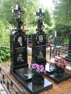Русгранит изготавливает памятники в том числе и из искусственного камня -полимергранита. Добро пожаловать в гранитную мастерскую: http://stela.ws/granitnaya-masterskaya.html