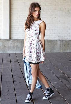 Garden Chic V-Back Dress   FOREVER21 Casual spring outfit #F21FreeSpirit #Floral #OOTD
