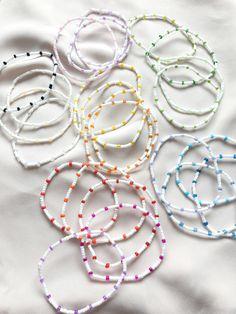 Handmade Wire Jewelry, Diy Crafts Jewelry, Bracelet Crafts, Diy Bracelets Easy, Homemade Bracelets, Beaded Jewelry Designs, Jewelry Patterns, Seed Bead Jewelry, Bead Jewellery