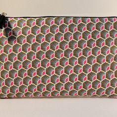 "Trousse pochette plate en tissu pochette plate tissu motifs ethniques style wax ""plumes rose"""