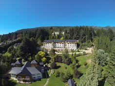Aéreas Verano 2015 | por Villahuinidbariloche Villa Huinid Bariloche Spa, Villa, Public, Mansions, House Styles, Home, Bariloche, Summer 2015, Hotels