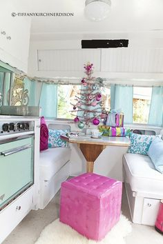 vintage camper interior | Vintage Trailer Interior / Christmas