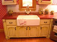 tutorial for making dollhouse kitchen cabinets from mat board, by Kris Compas. Miniature Dollhouse Furniture, Miniature Kitchen, Dollhouse Miniatures, Diy Dollhouse, How To Make Kitchen Cabinets, Contemporary Kitchen Cabinets, Kitchen Hutch, Kitchen Units, Kitchen Appliances