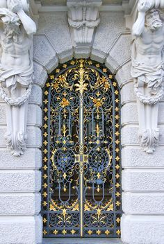 The wrought iron and gold leaf gates and entry to Schloss Linderhof Palace, Bavaria, Germany by Anthony Citro Cool Doors, Unique Doors, The Doors, Entrance Doors, Doorway, Windows And Doors, Grand Entrance, Iron Windows, Knobs And Knockers