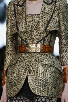 See all the Collection photos from Alexander McQueen Spring/Summer 2013 Ready-To-Wear now on British Vogue Couture Details, Fashion Details, Fashion Design, Alexander Mcqueen, Alex Mcqueen, High Fashion, Fashion Show, Womens Fashion, Paris Fashion