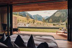 Entspannung und Erholung mit Ausblick im Hotel Jungbrunn im Tannheimer Tal in Tirol | Gutzeitort Bergen, Spa, Outdoor Furniture, Outdoor Decor, Home Decor, Good Times, Recovery, Places, Guys
