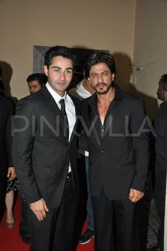 Shah Rukh Khan attends the premiere of LHDD and wishes 'lil baby Armaan Jain'