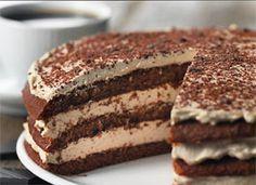 Tiramisu lagkage. Super lækker og vanedannende Danish Cake, Danish Food, Sweet Desserts, Sweet Recipes, Delicious Desserts, Baking Recipes, Cake Recipes, Dessert Recipes, Pudding Desserts
