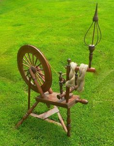 VERY RARE LATE 1700'S ANTIQUE SPINNING WHEEL Marked H.R. Hugh Ramsey NH