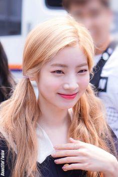 The Band, South Korean Girls, Korean Girl Groups, K Pop, Twice Dahyun, Im Nayeon, Hirai Momo, Reality Tv Shows, Dance The Night Away