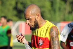 Paulinho 12º jogador e Cleiton por tempo limite: as substituições de Argel #globoesporte