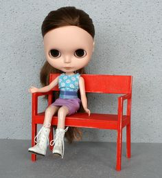 1/6 bench for #playscale #dolls like #blythedoll by #minimagine