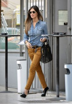 When Women Found Effective Solutions To Everyday Problems Fall Outfits, Casual Outfits, Cute Outfits, Camel Pants Outfit, Looks Camisa Jeans, Mustard Jeans, Work Fashion, Women's Fashion Dresses, Skinny